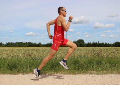 Skriešanas treniņi, Skriešanas akadēmijas treneris Salvis Gruševs